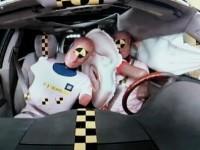 Le coussin gonflable central de General Motors